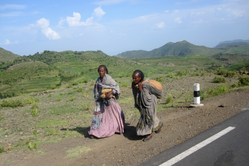 Tigray women returning from the market